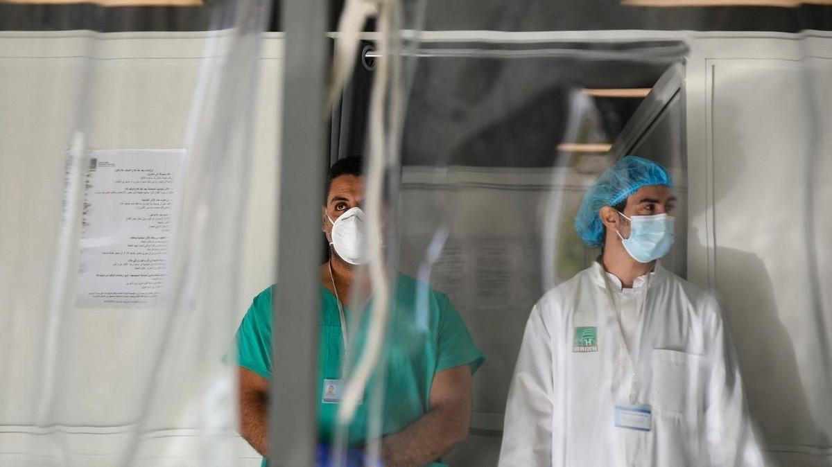 ŽIVOTNO UGROŽEN Muškarac kolabirao na vakcinalnom punktu u Crnoj Gori i povredio glavu